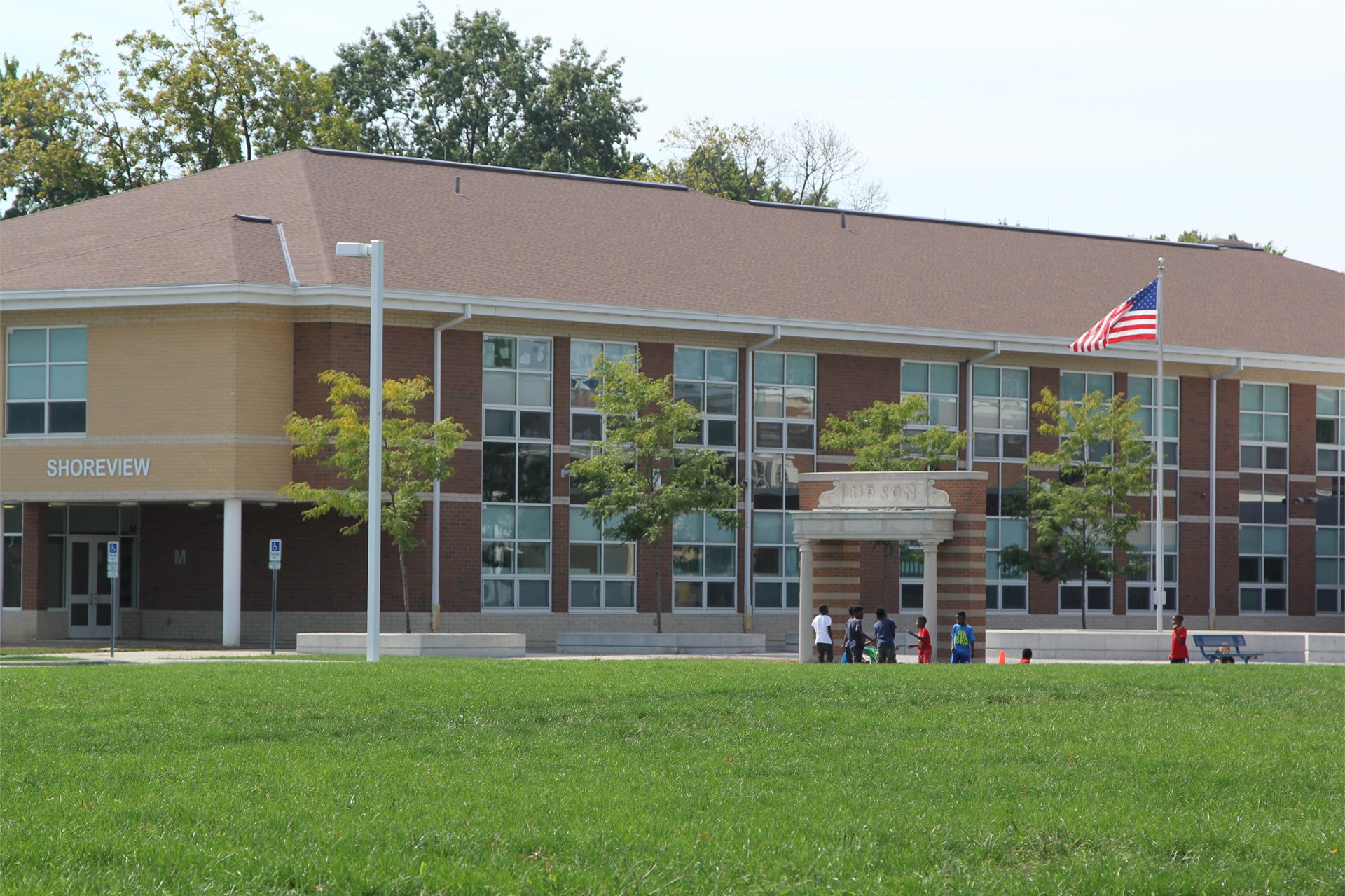 Shoreview Elementary School building view
