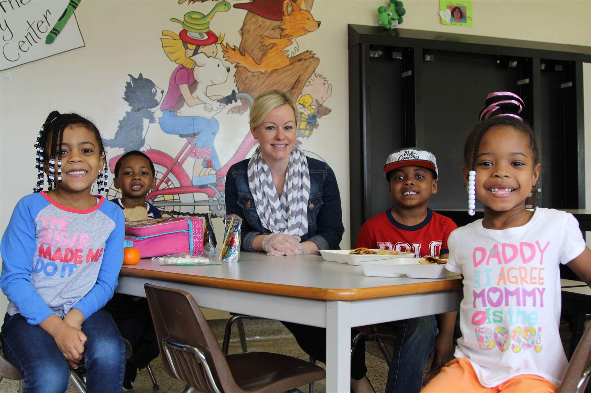 Students eating lunch at the Early Learning Center