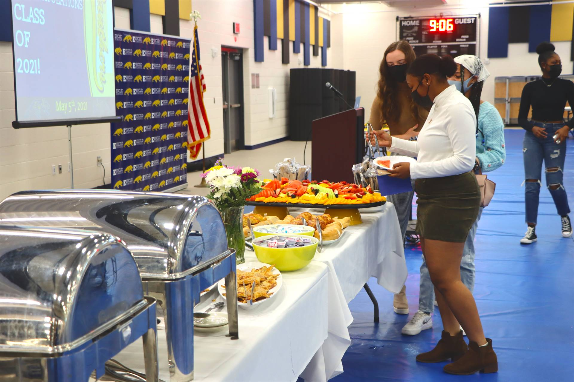 students getting food
